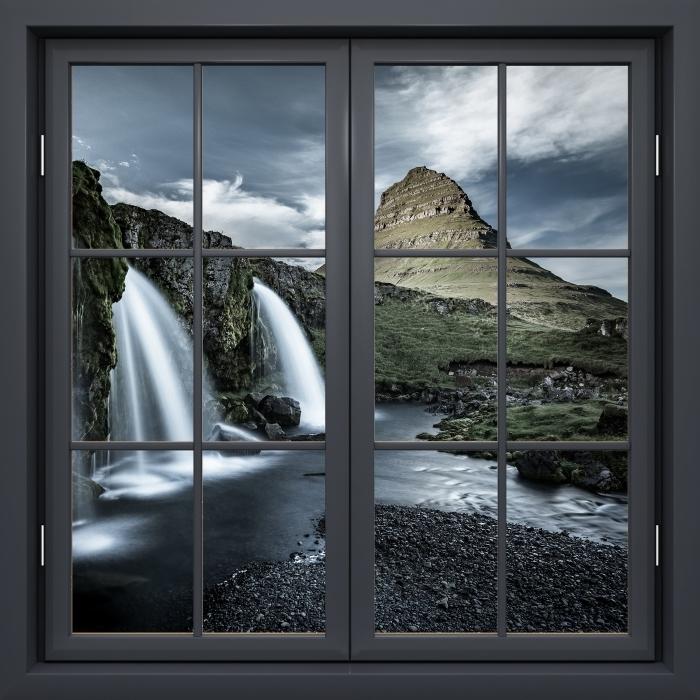 Fototapeta winylowa Okno czarne zamknięte - Wodospad. Islandia. - Widok przez okno