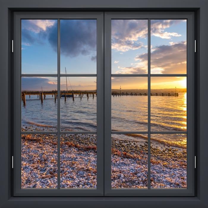 Papier peint vinyle Fenêtre Noire Fermée - Mara - La vue à travers la fenêtre