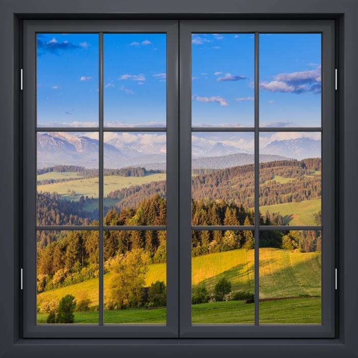 Papier peint vinyle Fenêtre Noire Fermée - Pieniny. Pologne. - La vue à travers la fenêtre