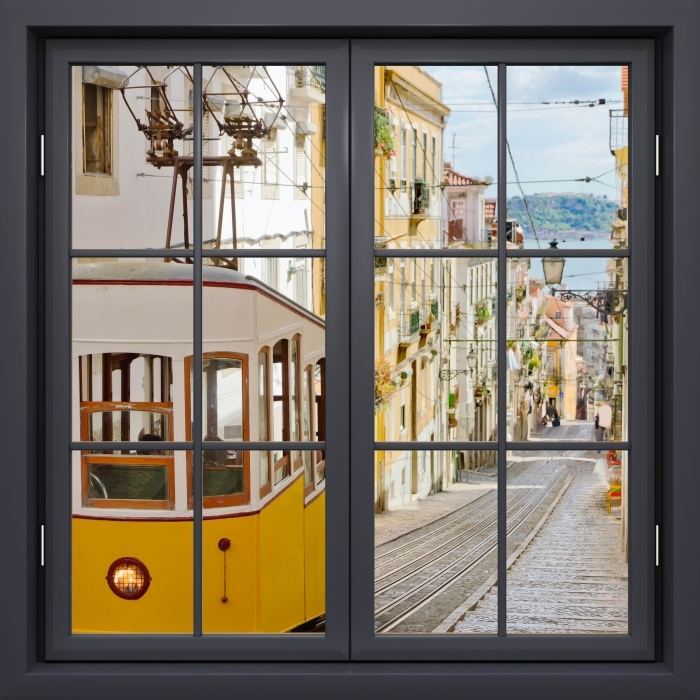 Papier peint vinyle Fenêtre Noire Fermée - Lisbonne. - La vue à travers la fenêtre