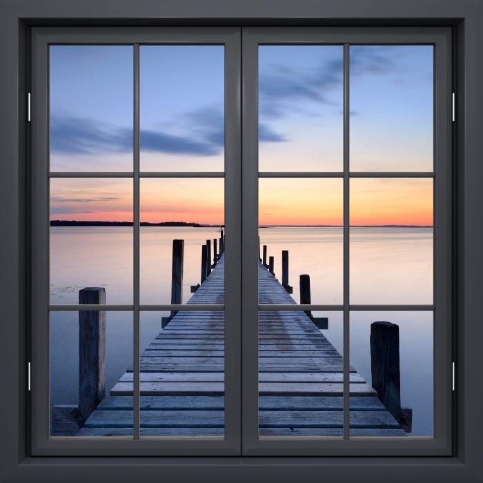 Papier peint vinyle Fenêtre Noire Fermée - Pier - La vue à travers la fenêtre
