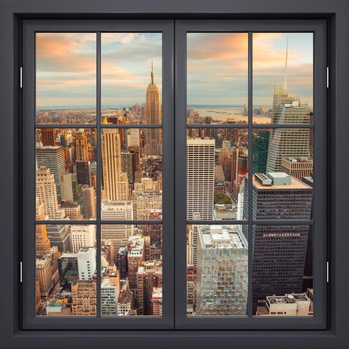 Papier peint vinyle Fenêtre Fermée Noir - Vue Sur Le Coucher Du Soleil À New York - La vue à travers la fenêtre