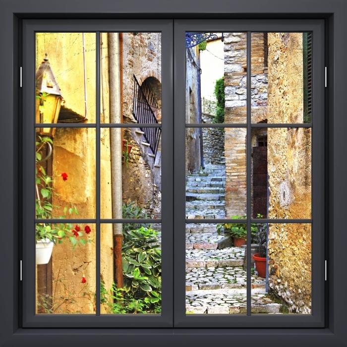 Papier peint vinyle Fenêtre Noire Fermée - Charmantes Vieilles Rues - La vue à travers la fenêtre