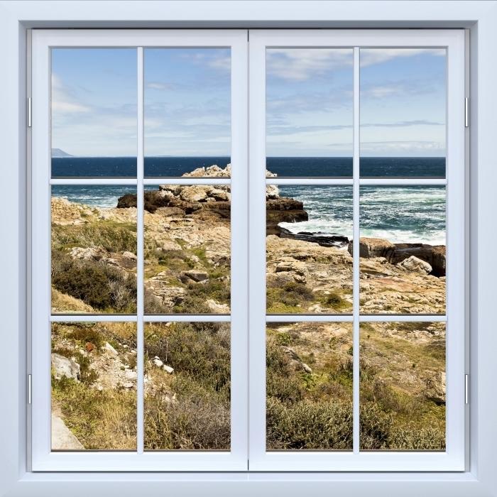 Fototapeta winylowa Okno białe zamknięte - Nad morzem. - Widok przez okno