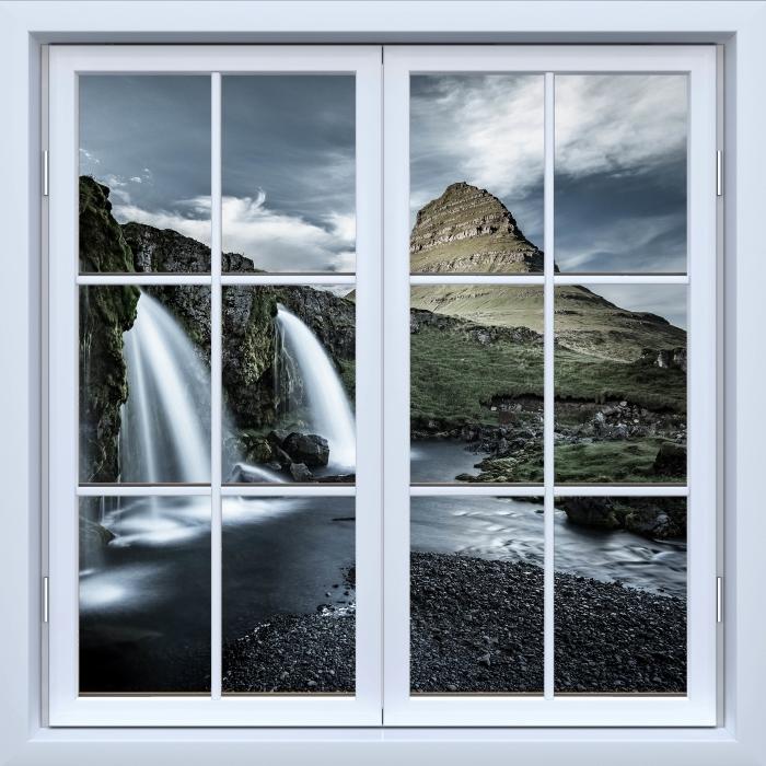Fototapeta winylowa Okno białe zamknięte - Wodospad. Islandia. - Widok przez okno