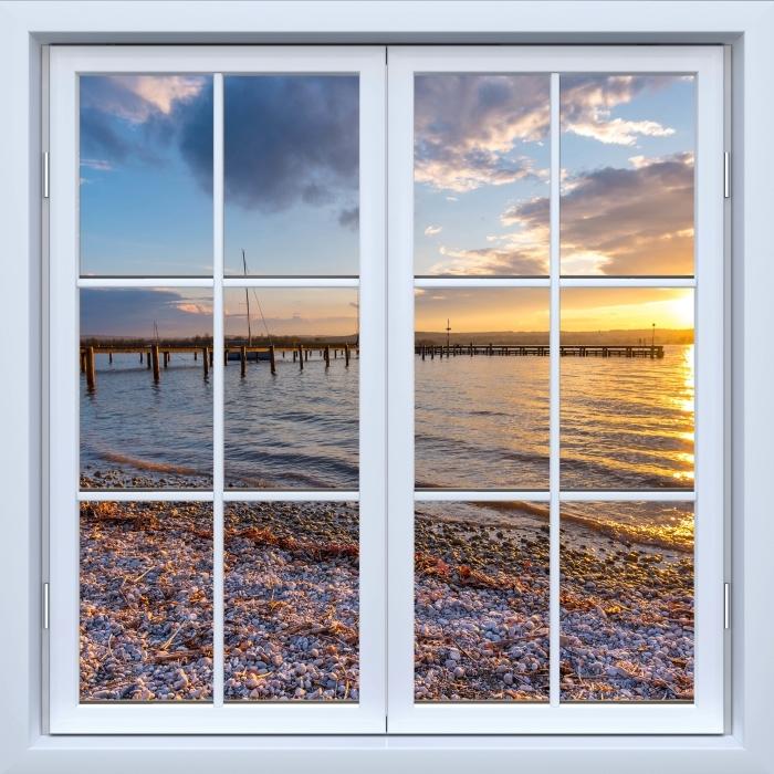 Papier peint vinyle Blanc fenêtre fermée - Mara - La vue à travers la fenêtre