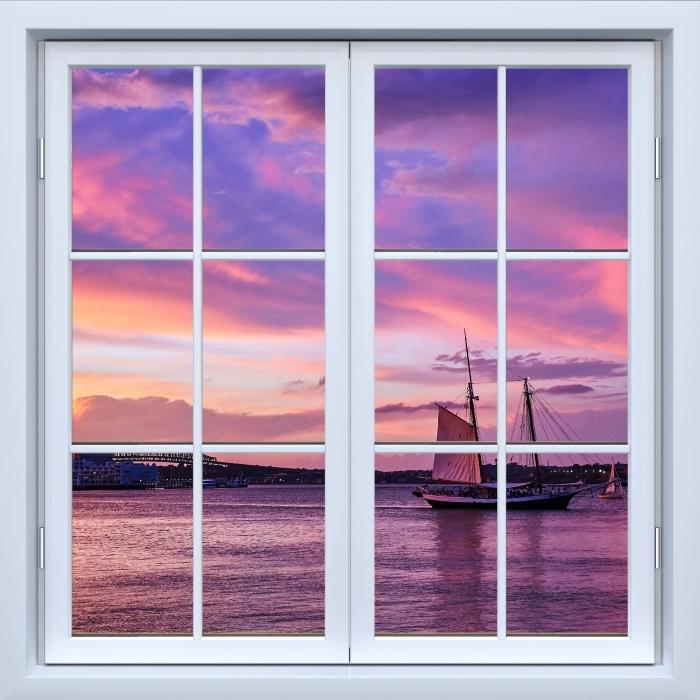 Papier peint vinyle Blanc fenêtre fermée - le coucher du soleil incroyable au port de Boston - La vue à travers la fenêtre
