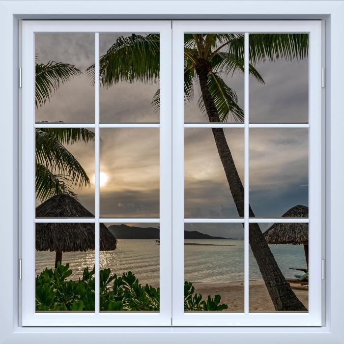 Papier peint vinyle Blanc fenêtre fermée - Palma - La vue à travers la fenêtre