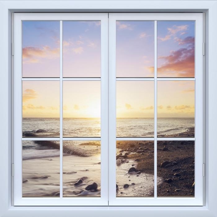Vinyl-Fototapete Weiß geschlossen Fenster - Sonnenuntergang am Strand - Blick durch das Fenster