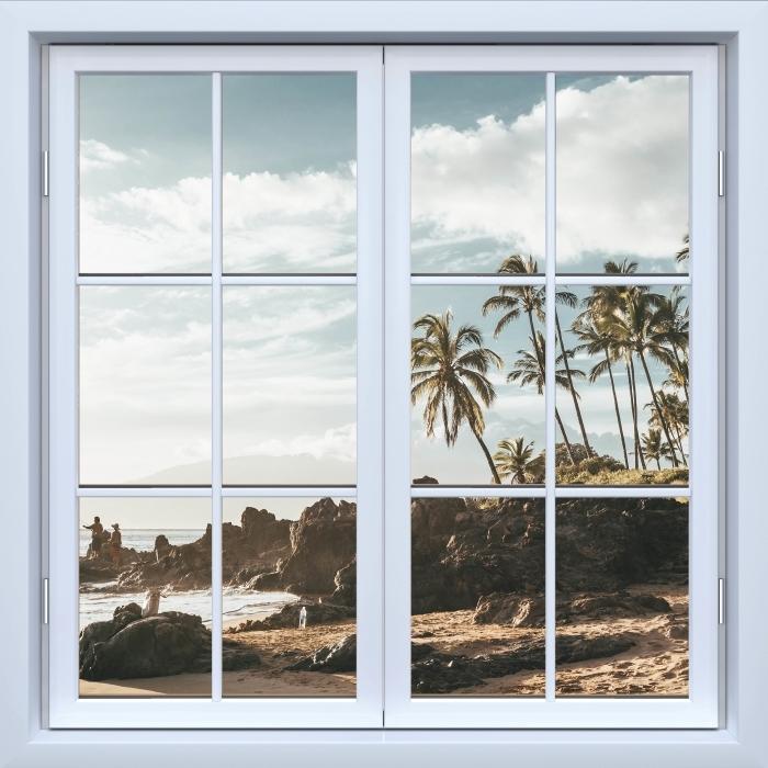 Fototapeta winylowa Okno białe zamknięte - Palmy. Hawaje. - Widok przez okno
