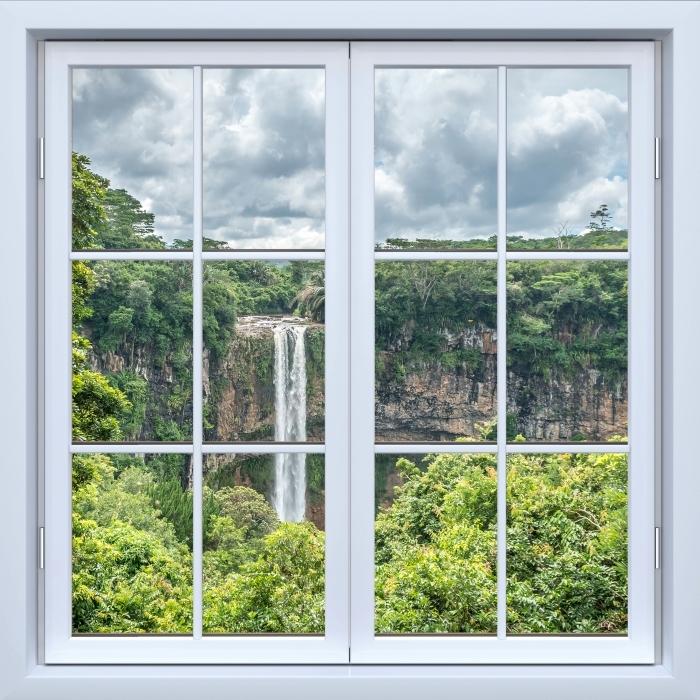 Fototapeta winylowa Okno białe zamknięte - Wodospad - Widok przez okno