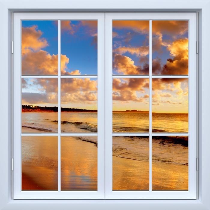 Fototapeta winylowa Okno białe zamknięte - Zachód słońca na plaży - Widok przez okno