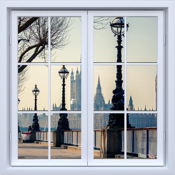 Fototapeta winylowa Okno białe zamknięte - Big Ben. Londyn. - Widok przez okno