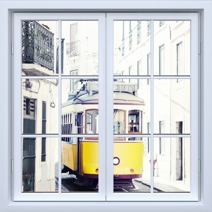 Papier peint vinyle Blanc fenêtre fermée - Lisbonne - La vue à travers la fenêtre