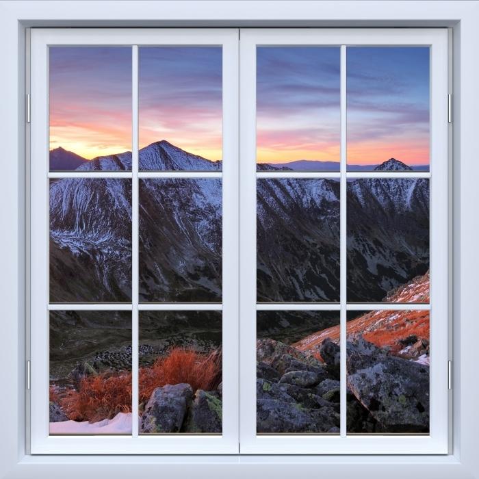 Papier peint vinyle Blanc fenêtre fermée - Tatry - La vue à travers la fenêtre