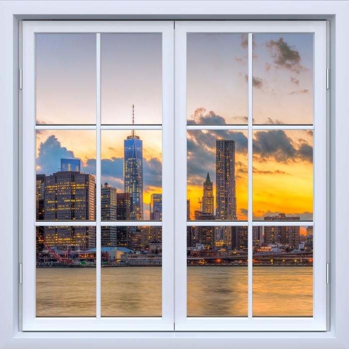 Fototapeta winylowa Okno białe zamknięte - Most Brooklyn Bridge - Widok przez okno