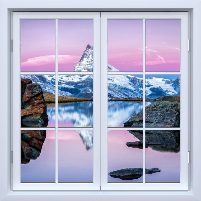 Fototapeta winylowa Okno białe zamknięte - jezioro i góry - Widok przez okno