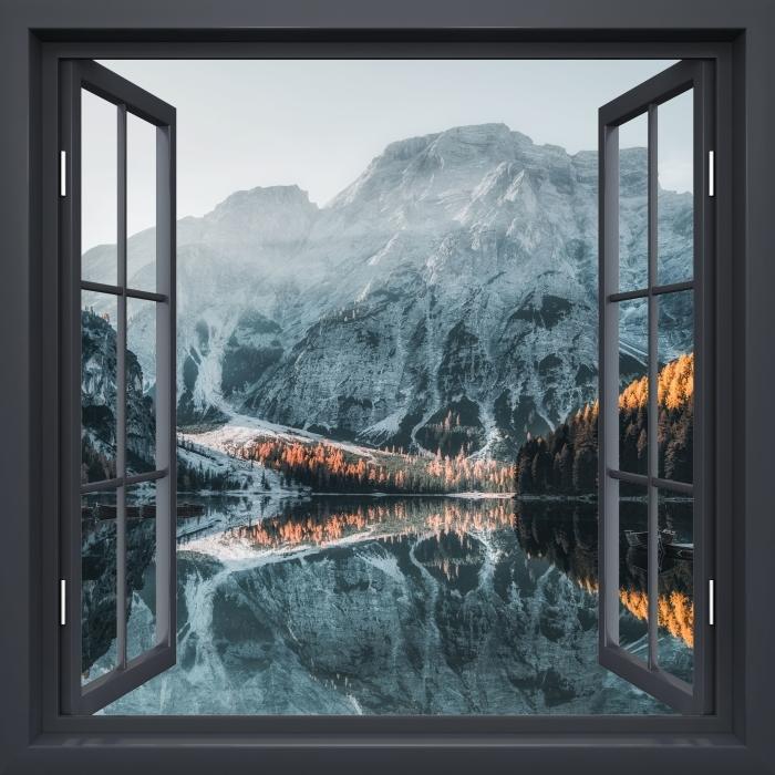 Fototapeta winylowa Okno czarne otwarte - Łodzie. Góry Dolomity - Imitacje