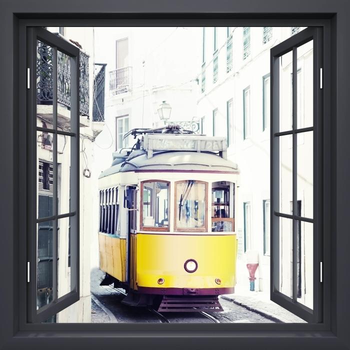Fototapeta winylowa Okno czarne otwarte - Lizbona - Widok przez okno