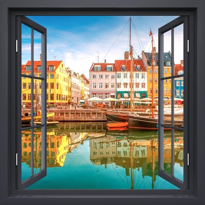 Papier peint vinyle Fenêtre Noire Ouverte - Copenhague - La vue à travers la fenêtre