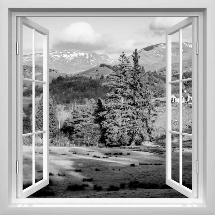 Fototapeta winylowa Okno białe otwarte - Lake District - Widok przez okno