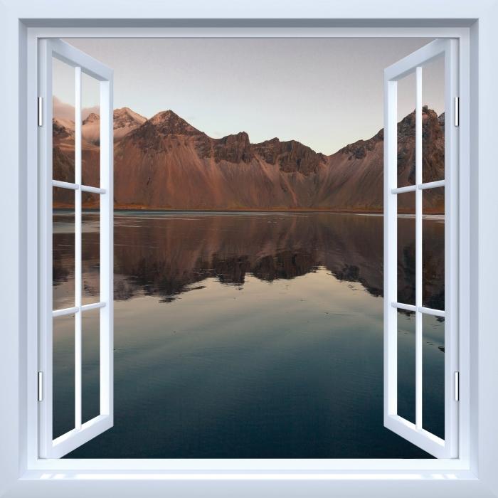 Papier peint vinyle Fenêtre ouverte blanche - Île - La vue à travers la fenêtre