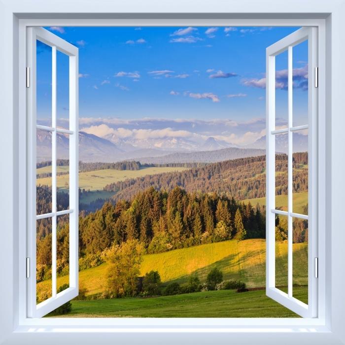 Papier peint vinyle Fenêtre ouverte blanche - Pieniny. Pologne. - La vue à travers la fenêtre