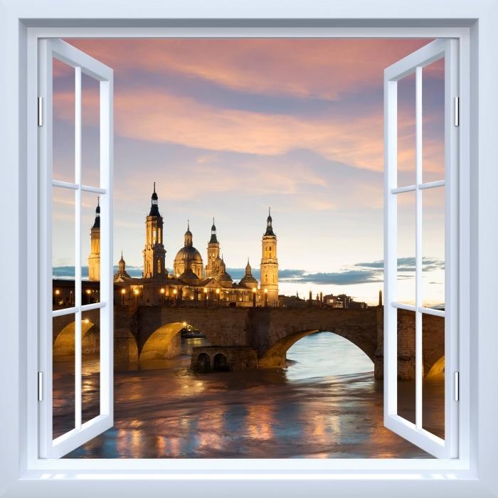 Papier peint vinyle Fenêtre ouverte blanche - cathédrale. Espagne. - La vue à travers la fenêtre