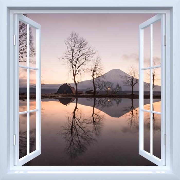 Papier peint vinyle Fenêtre ouverte blanche - Mont Fuji - La vue à travers la fenêtre