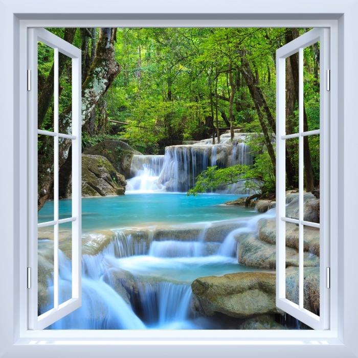 Fototapeta samoprzylepna Okno białe otwarte - Wodospad Erawan. Tajlandia - Widok przez okno