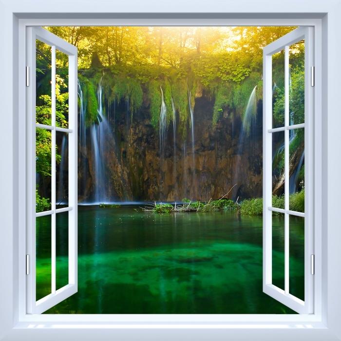 Fototapeta winylowa Okno białe otwarte - Jeziora Plitwickie. Chorwacja. - Widok przez okno