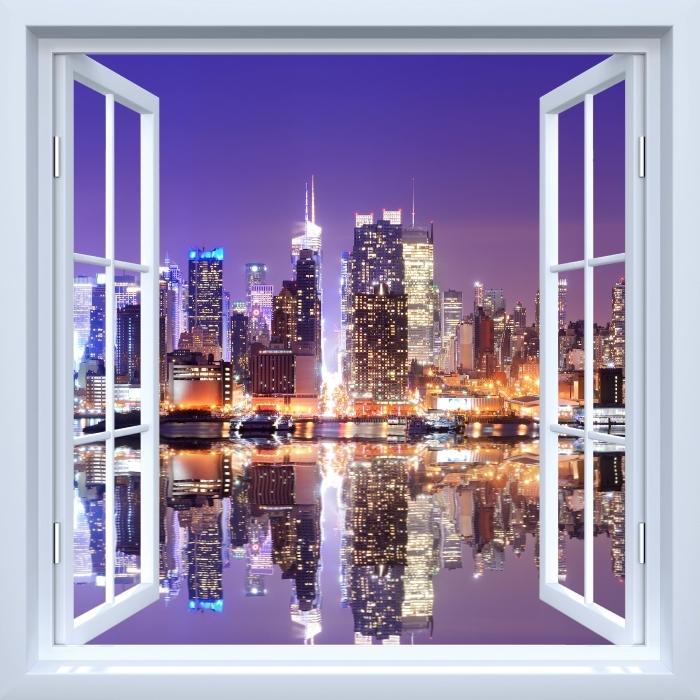 Fototapeta winylowa Okno białe otwarte - Manhattan - Widok przez okno