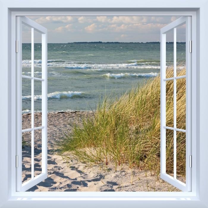 Fototapeta winylowa Okno białe otwarte - Plaża - Widok przez okno