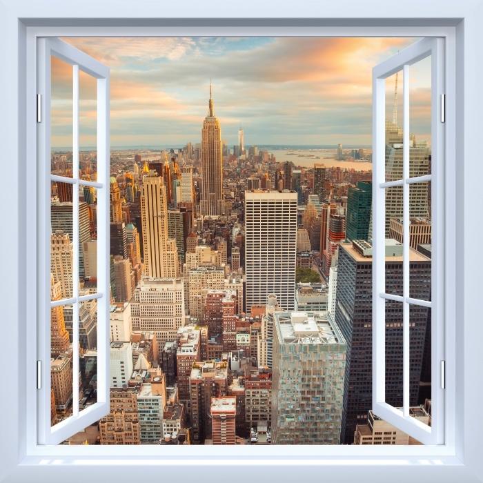 Papier peint vinyle Fenêtre ouverte blanche - Vue sur le coucher du soleil à New York - La vue à travers la fenêtre