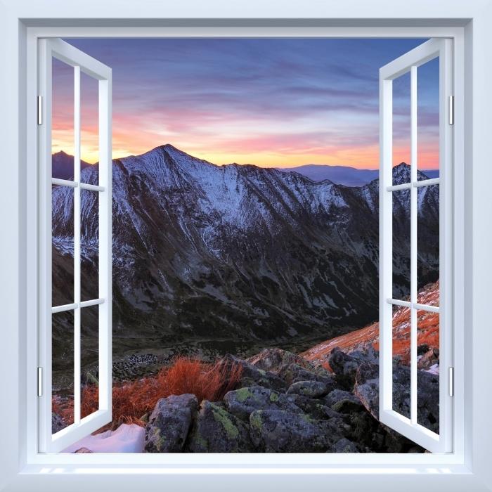 Papier peint vinyle Fenêtre ouverte blanche - Tatry - La vue à travers la fenêtre