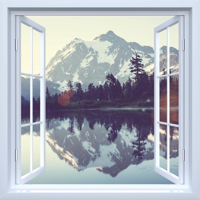 Fototapeta winylowa Okno białe otwarte - Jezioro - Widok przez okno