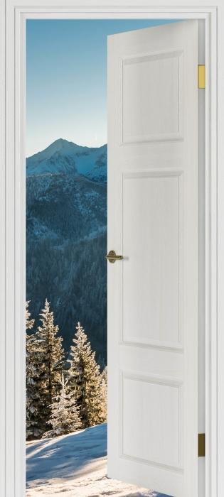 Fototapeta winylowa Białe drzwi - Tatry - Widok przez drzwi