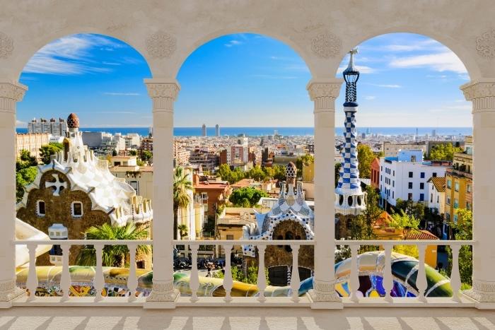 Fototapeta winylowa Taras - Park Guell w Barcelonie. Hiszpania. - Tarasy