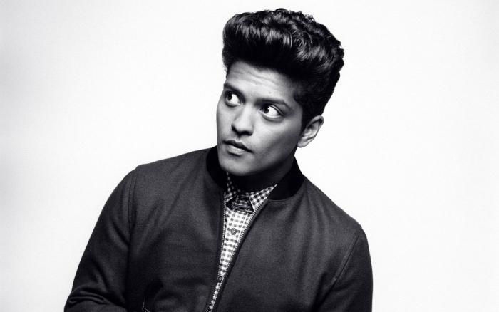 Bruno Mars Pixerstick Sticker - Bruno Mars