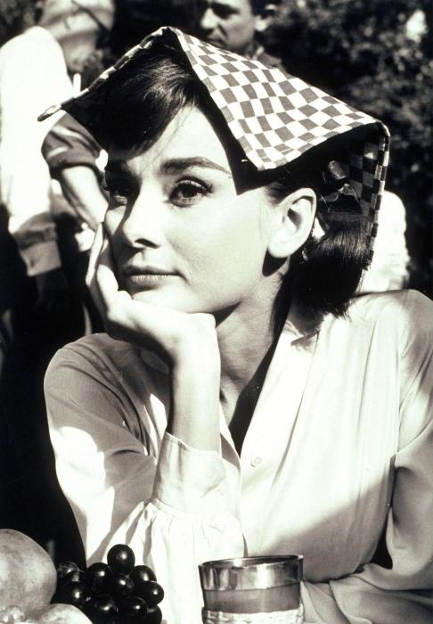 Fototapeta winylowa Audrey Hepburn - Criteo