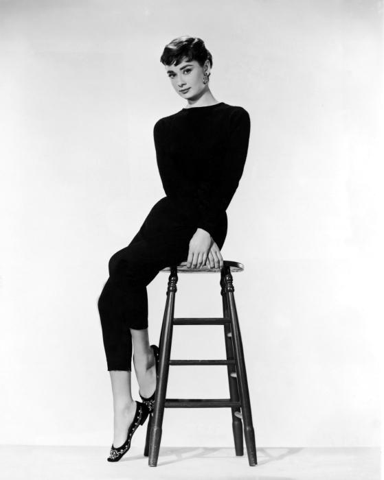 Mural de Parede em Vinil Audrey Hepburn - Criteo