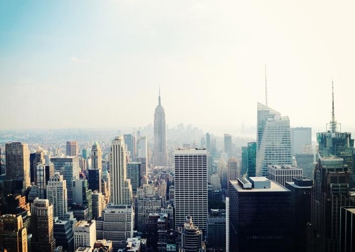 Nálepka Pixerstick New York City Manhattan panorama Letecký pohled na Empire State Building v mlze -