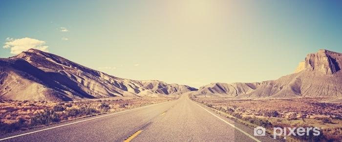 Fototapeta winylowa Vintage stonowanych zdjęcie panoramiczne pustyni drogowego, utah, usa - Budynki i architektura