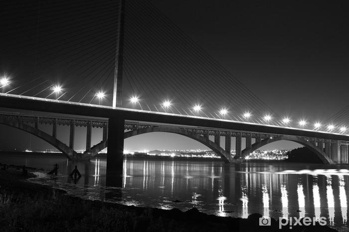 Papier peint Le pont de l'iroise (brest) de nuit • Pixers®   Nous