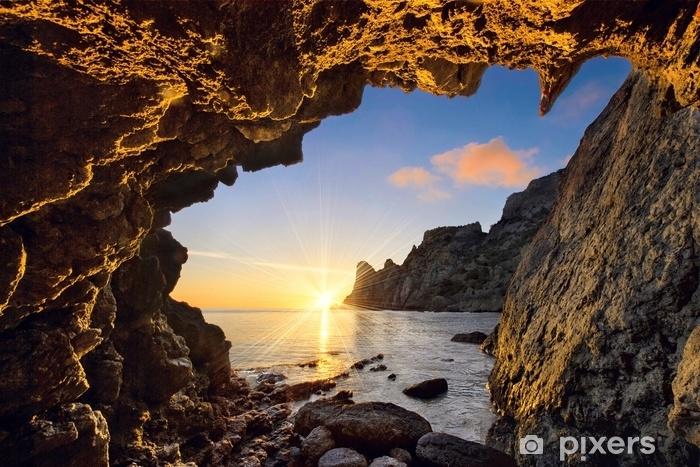 Fototapeta winylowa Z jaskini górskiej - Krajobrazy