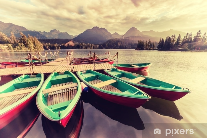 Papier peint vinyle Paysage vintage avec des bateaux sur un lac - Paysages