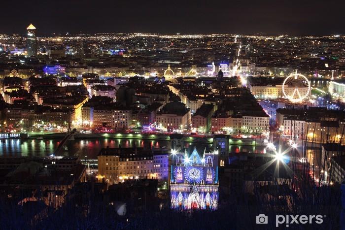Papier peint vinyle Lyon by night - Vacances