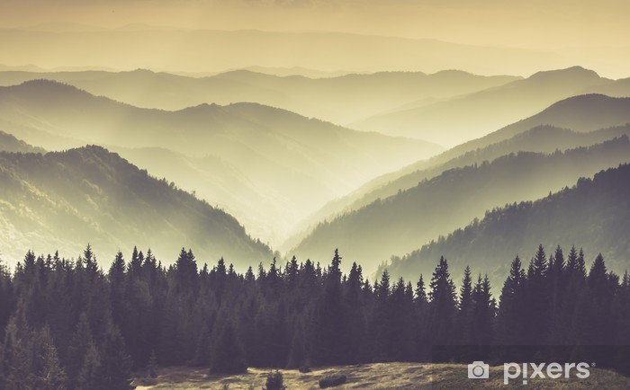 Kendinden Yapışkanlı Duvar Resmi Puslu dağ tepeler Peyzaj. - Manzaralar
