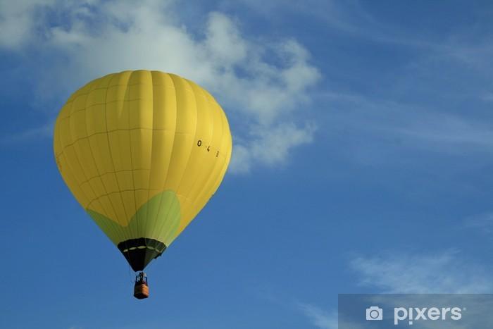 Fototapeta winylowa Balon na gorące powietrze balonem żółty - Transport powietrzny
