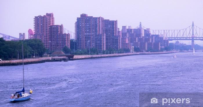 Vinylová fototapeta Plachtění na východním řeky v New Yorku - Vinylová fototapeta
